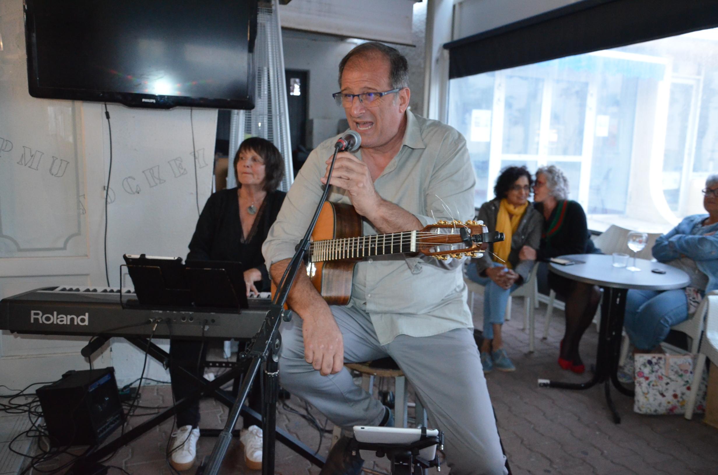 François Cérato guitare et chant